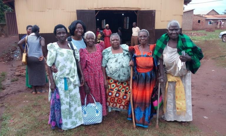 Dr. Pamela Mukaire en RIBHO's Senior Program